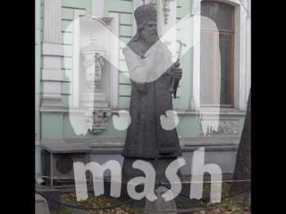Москвичи требуют убрать памятники Зураба Церетели на Большой Грузинской