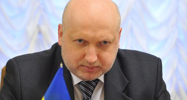 Турчинов назвал говорящих на русском языке украинцев грязью