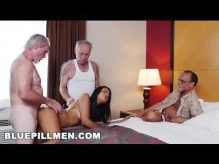 Три старика под коксом трахают шлюху порно оргия минет анальный секс куни групповуха кончил на лицо