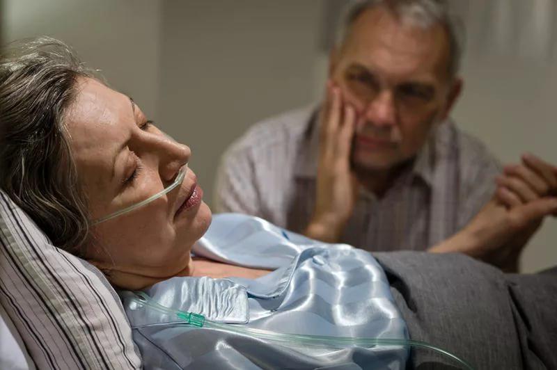 О чем говорят неизлечимо больные перед смертью?