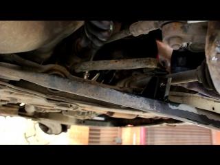 Замена передних стоек и втулок стабилизатора Хендай Акцент (Hyundai Accent)