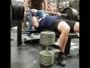 Брэндон Пердю жмет лежа 275 кг плюс жмет гантели по 90 кг на 8 раз без экипировки Animal Cage 2018 год