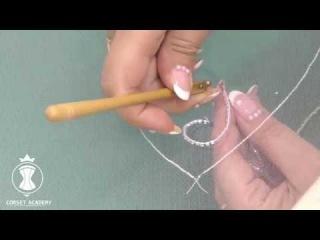 Люневильская (тамбурная) вышивка. Прием с двумя крючками. Автор Татьяна Козоровицкая