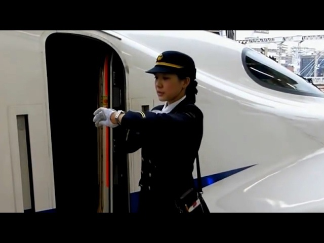 신칸센 여자 기관사 · 승무원 Female crew conductor of the shinkansen