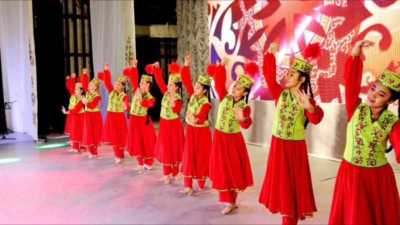 Выступление в ДКГ ,казахский танец