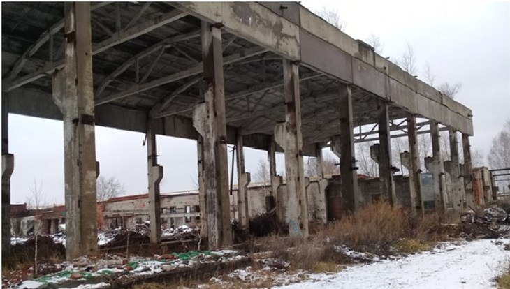 Житель томского села подозревается в краже 154 бетонных плит со здания