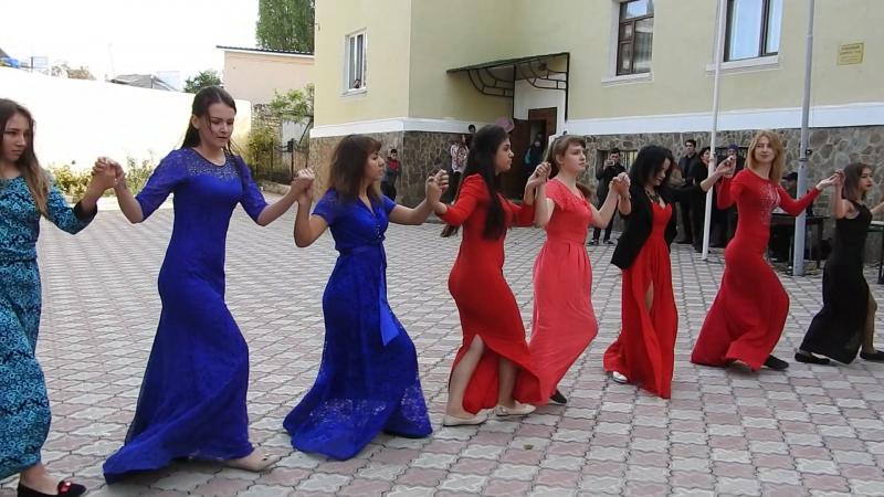 Крымско-татарский танец Яшлар авасы - Время молодых, руководитель - Хайрутдинова Анифе