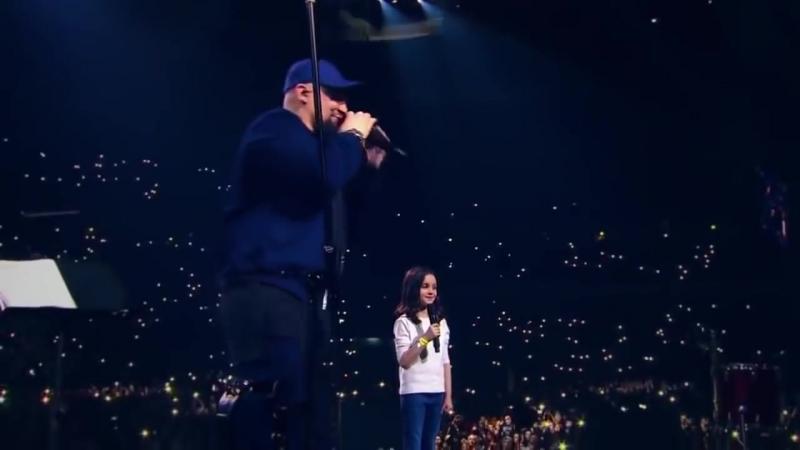 ШОК БАСТА с дочкой поют Сансара СОБРАЛИ 30000 Зрителей