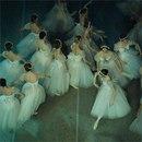 Марк Олич - фотограф из Санкт-Петербурга. Фотографирует преимущественно балет.
