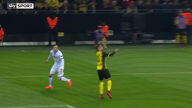 15.02. League Europa. 1_16 Finale. Borussia Dortmund - Atalanta 3-2
