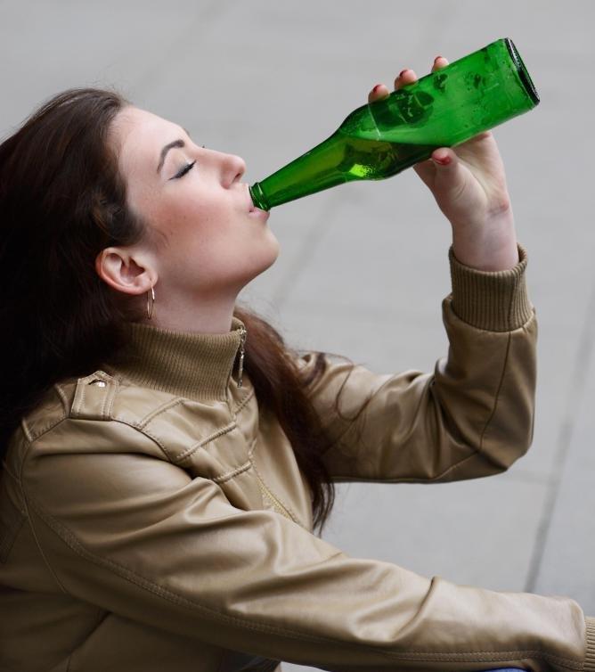 Лечение злоупотребления алкоголем может потребовать детоксикации.
