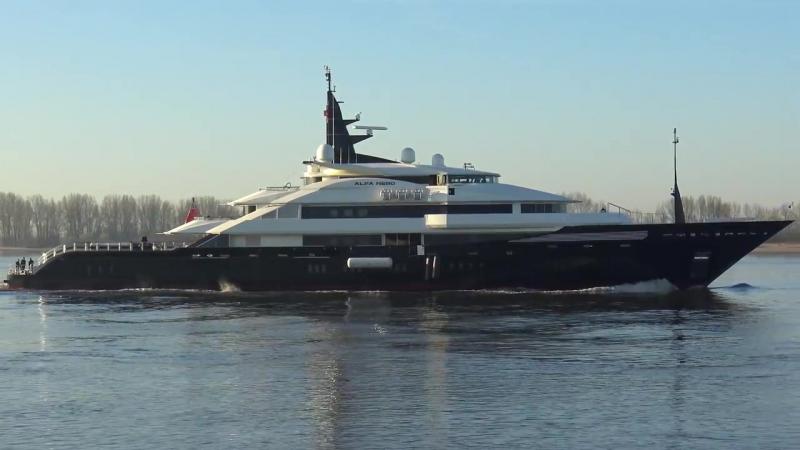 Oceanco Alfa Nero Hamburg