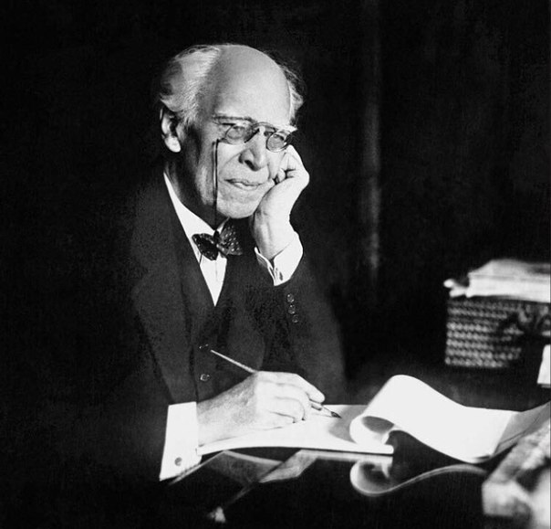 an actor prepares konstantin stanislavski Free essay: an actor prepares' by constantin stanislavski because i'm usually immersed in web stuff, it's interesting to read a text whose ideas are still.