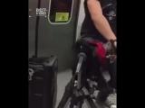 Guns N Roses - Welcome to the Jungle в метро