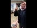 Туркоманский боец ССА обнимает курдского старика