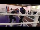 Тренировка по кик-боксингу, спарринг по правилам бокса, Даниил против Артема 1 раунд, клуб Лада-Бокс