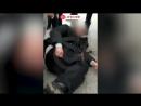 В петербургском метро двое молодых людей жестоко избили мужчину