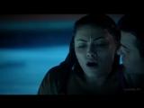 Первородные 1x06 Давина разорвала связь между Хейли и Софи.