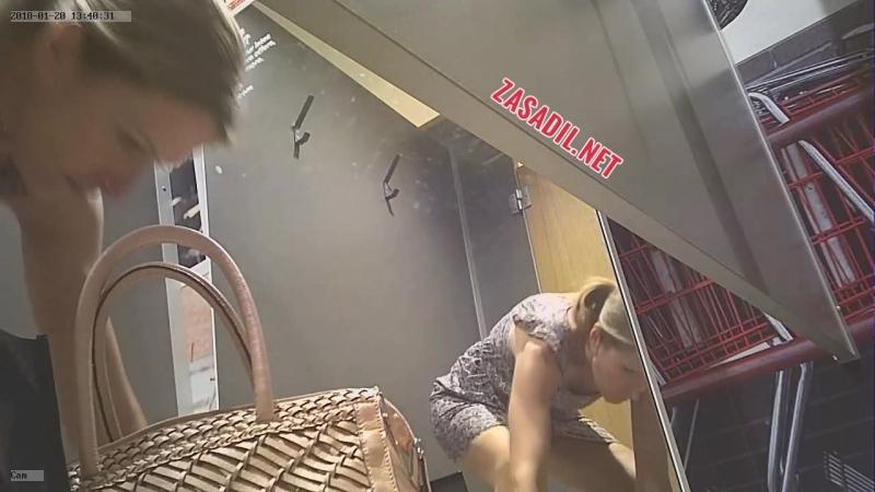 Летней 45 женщиной с камера скрытая