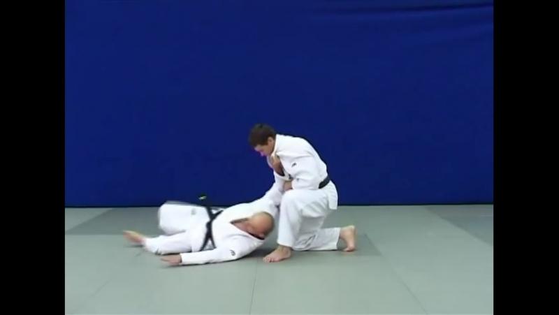Сэои-отоши — Бросок через спину (плечо) с колена (колен)