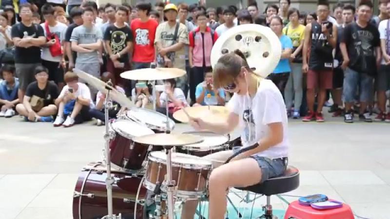 FANTASTIC BABY . S WHITE Drummer . Барабанщица-виртуоз из Тайваня 爵士鼓 羅小白 - นางฟ้าตีกลอง (1)