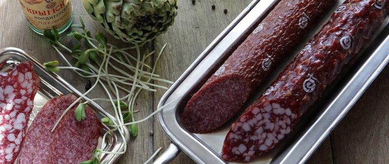 Химики рассказали, почему сырокопченые колбасы потеряли свой вкус
