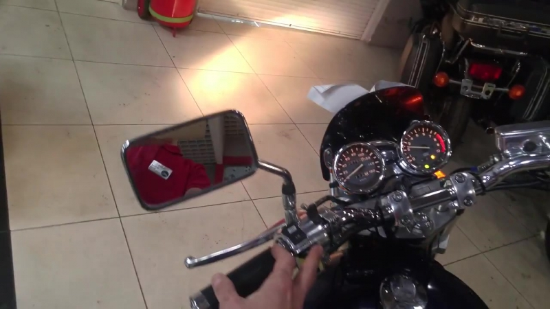 Мотосалон Мегамото работа двигателя Honda VRX400