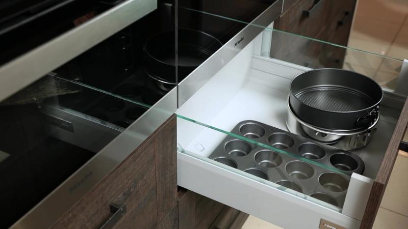 WFM KUCHNIE otwieranie szuflady pod piekarnikiem 1