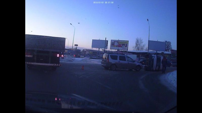Авария на перекрестке возле п.Восстания газель и ларгус