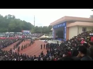Массовый расстрел на стадионе в Китае. [ШиЖ] Только 18+