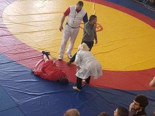 Юноша из Усть-Илимска получил травму позвоночника на соревнованиях по самбо в Ангарске