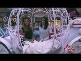 2017 › Промо к шоу «Pop Up Santa» с участием Эмерод и Кэтрин МакНамары