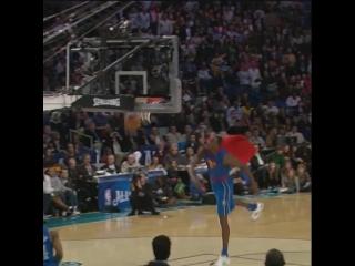@dwighthoward throws on the cape in 2008! - NBABreakdown (- VerizonDunk 8pm_et @nb ( 640 X 640 ).mp4