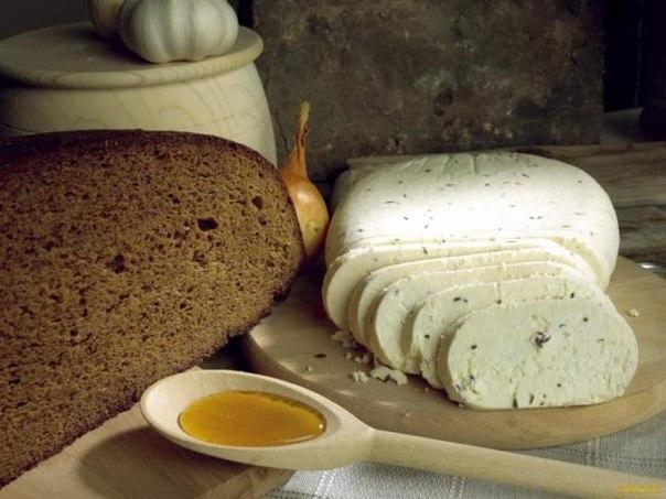 Домашний плавленый сыр с тмином