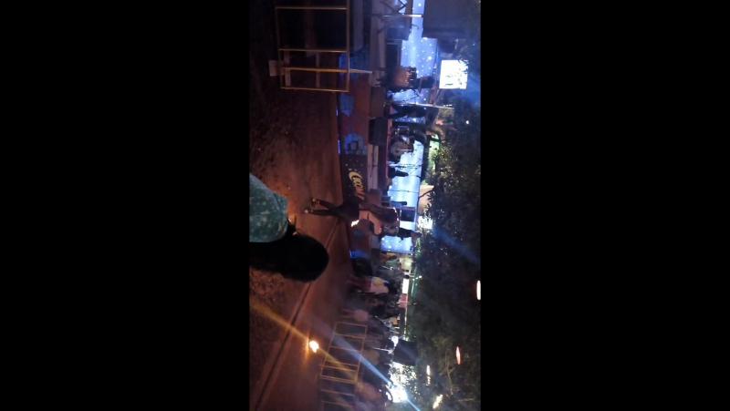 Рынок в ночное время Arpora в субботу