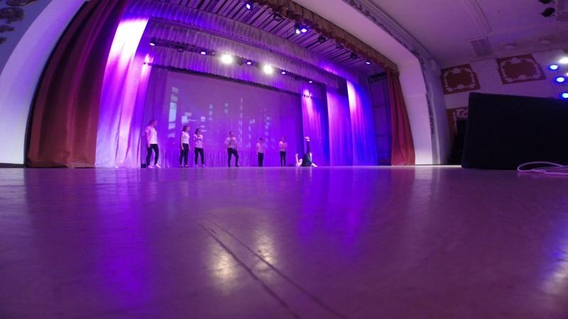 показательное выступление с учениками Break Dance (Jam)