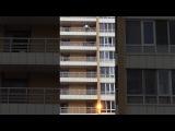 Девушка едва не спрыгнула с девятого этажа жилого дома в Астане
