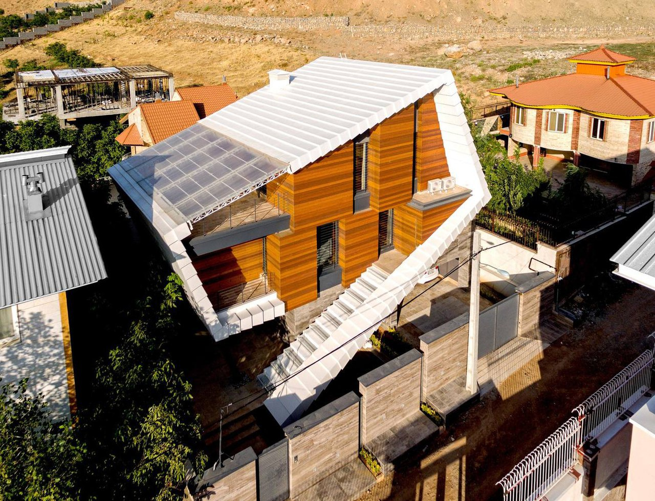 Damavand Villa / Shirazian Studio