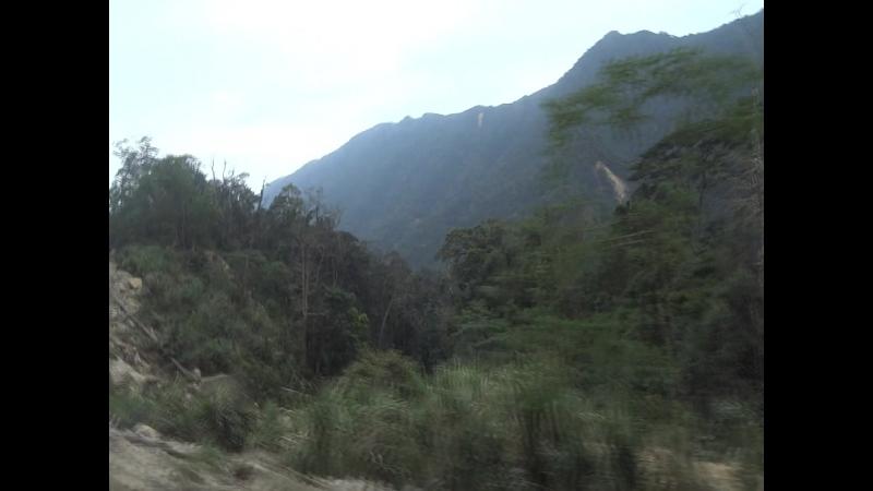 Серпантин по горным перевалам. Дорога г.Далат - г.Нячанг.