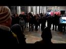 ЧИЧЕРИНА СИЛЬНО ПОЁТ ВМЕСТЕ С НАРОДОМ! Москва - песенный флешмоб