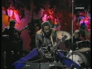 Chuck Berry в шпагате