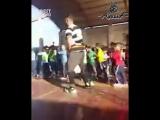 Учитель помог девочке поучаствовать в танце