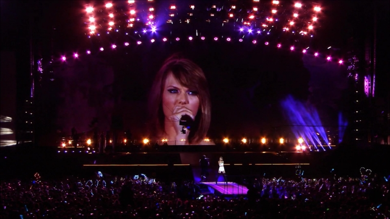 Taylor Swift - Love Story (Live at The 1989 World Tour 2015)
