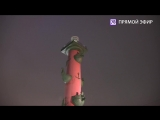 В память о блокадных днях в Петербурге горят Ростральные колонны. Прямая трансляция