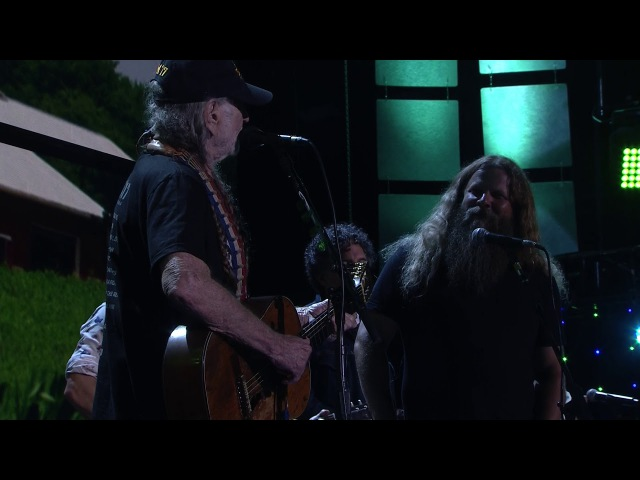 Willie Nelson Family - It's All Going to Pot (Live at Farm Aid 2017)