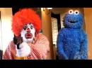 Ronald McDonald VS Cookie Monster | Рональд МакДональд против Коржика [Русская озвучка]
