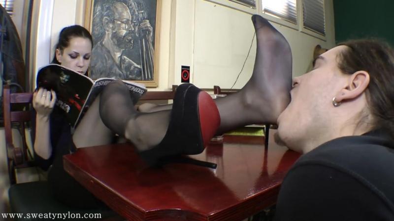 Goddess Eerika Femdom Foot fetish Фут-фетиш Фемдом раб нюхает ножки slave sniff feet stockings nylon heels mistress