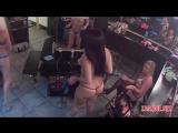 Стриптизерши в примерочной ночного бара скрытой камерой - zasadil net