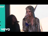 Katy Perry - Firework (Live On The World Famous Rooftop, Sydney)