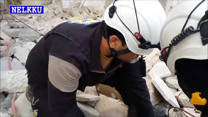 Syyrian urheita muslimi valkokypärä